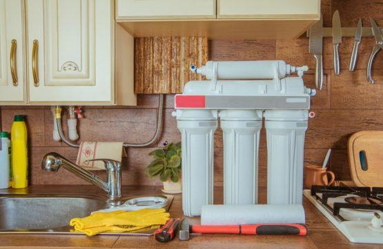 montare-filtre-de-apa-creeaza-propriul-izvor-de-apa-chiar-la-tine-acasa